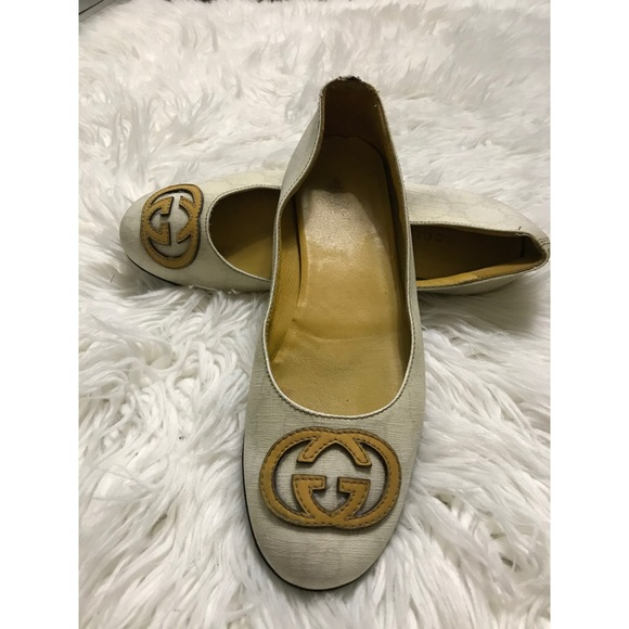 GUCCI flats for sale!
